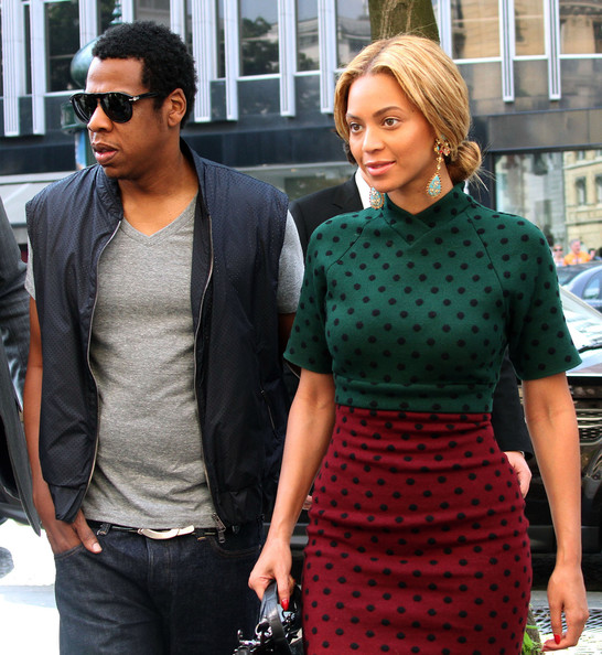 Top 10 richest celebrity couples in the world - YouTube