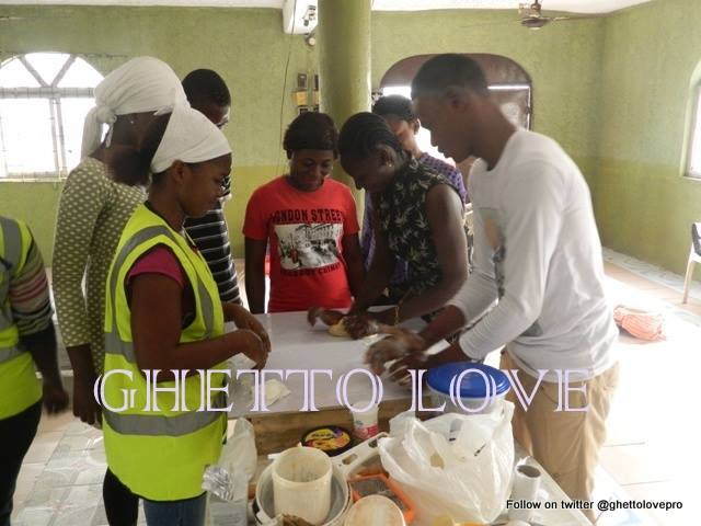 Vocal Slender Joins Ghetto Youth to Empower Youths in Ajegunle 3
